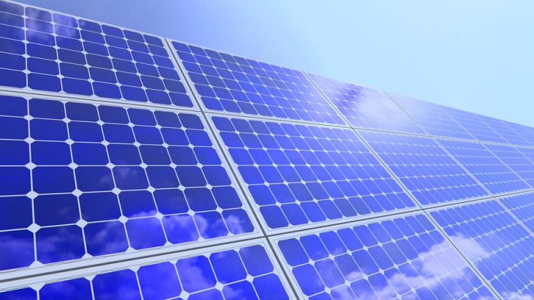Suntech vola nella classifica dei moduli fotovoltaici più bancabili