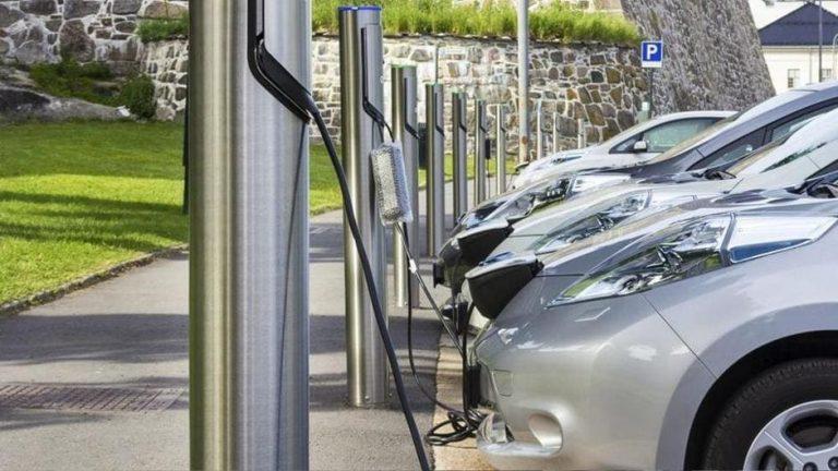 Mobilità aziendale: nei fleet manager migliora la percezione delle motorizzazioni elettriche