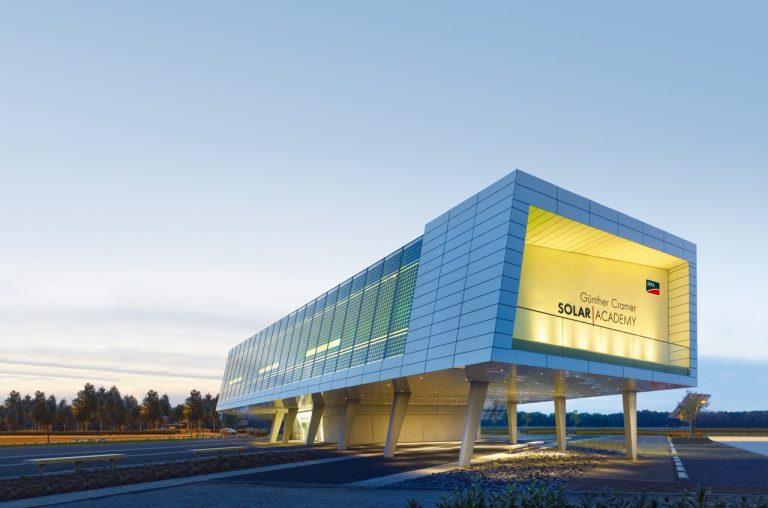 SMA amplia l'offerta della Solar Academy per gli specialisti del fotovoltaico