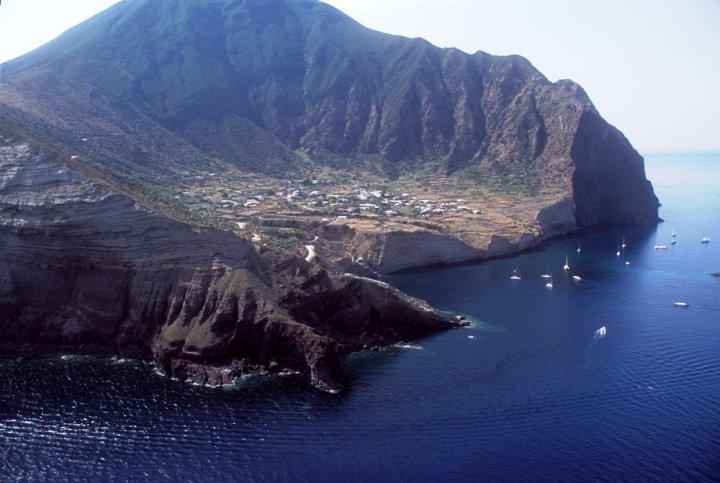 Energia pulita: anche Salina tre le isole virtuose selezionate dalla Commissione europea