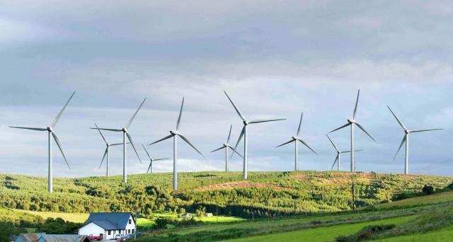 Alerion CP valuta acquisto di tre impianti eolici in Italia