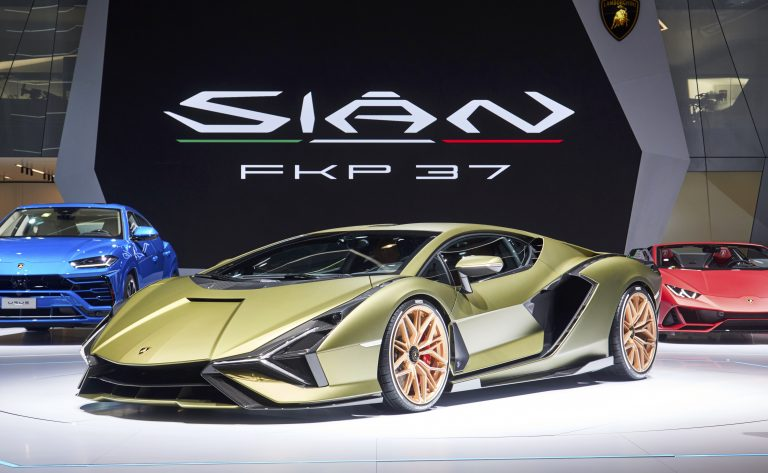 Lamborghini e MIT raddoppiano la densità di energia nei supercondensatori
