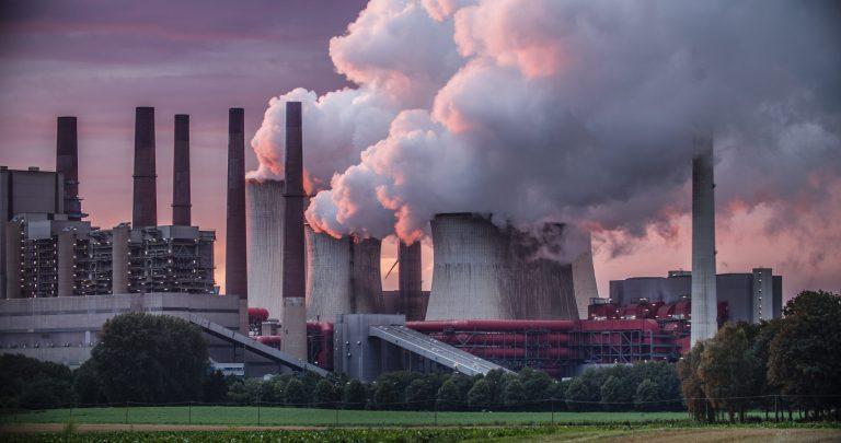 La Ue sorprende in negativo: approvati 32 progetti sulle fonti fossili