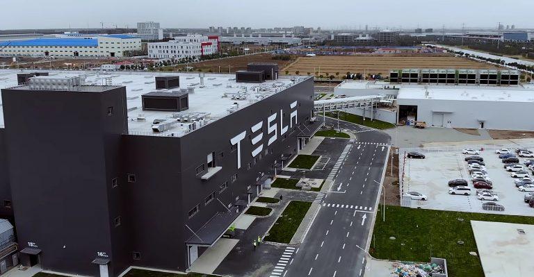 Tesla, partnership con LG Chem e CATL per la fornitura di batterie