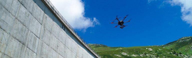 Con i droni, Axpo ispeziona la diga più grande d'Europa