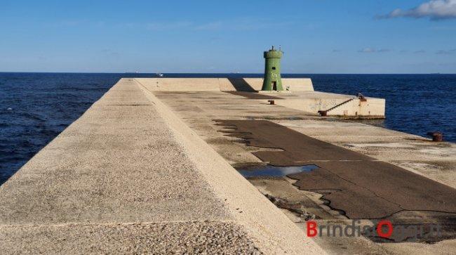 Energia elettrica da moto ondoso: progetto nel porto di Brindisi