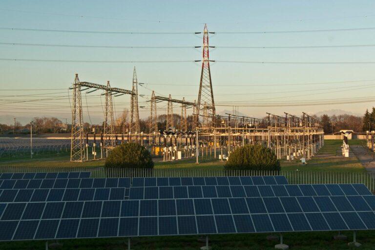 Consumi di energia elettrica in Italia: ad aprile -17,2%