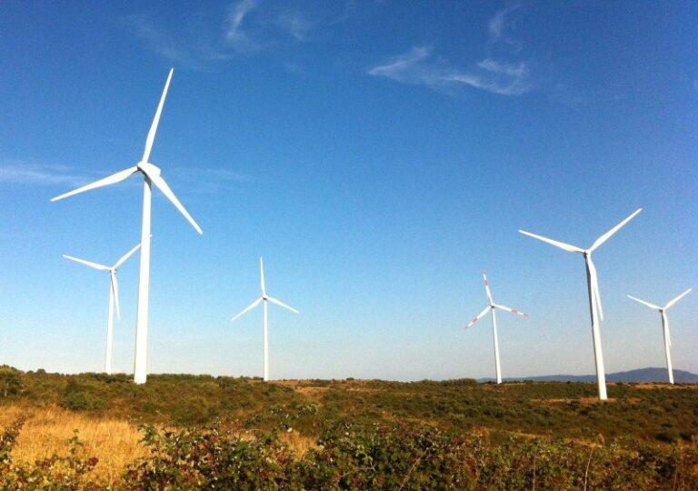 ENI acquisisce tre progetti eolici in Puglia