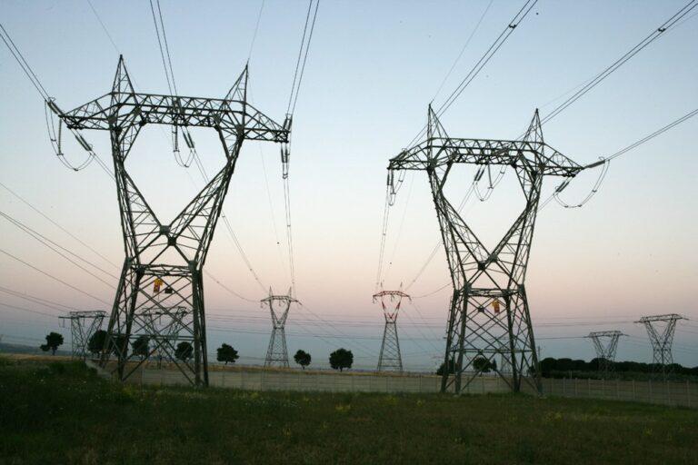 Terna: calo a giugno per i consumi di energia ma crescono le rinnovabili