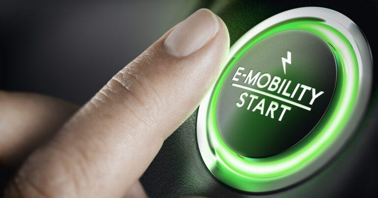 """Enel e Fca: """"Italia in prima fila nel mercato mondiale dell'auto elettrica"""""""