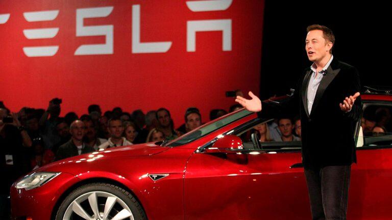"""Elon Musk: """"A settembre la batteria di Tesla dalla super autonomia"""""""