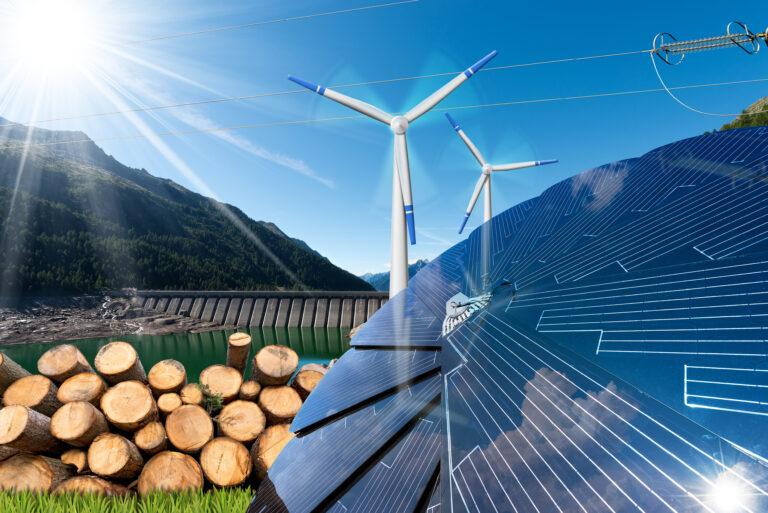 Dopo 53 anni le rinnovabili tornano in testa nella produzione elettrica italiana