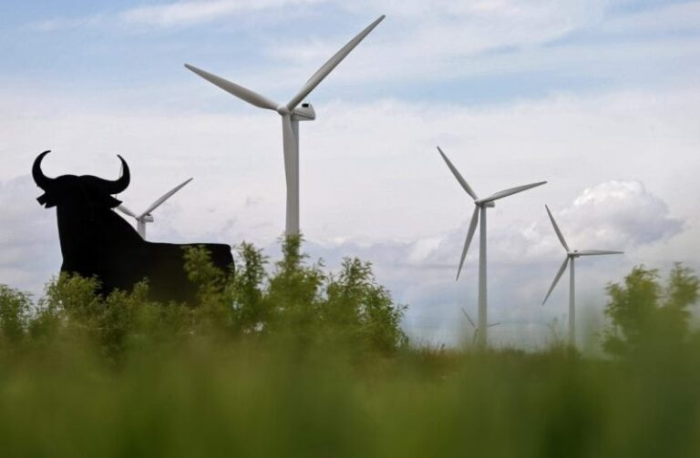 Spagna, nuovi fondi per le energie rinnovabili