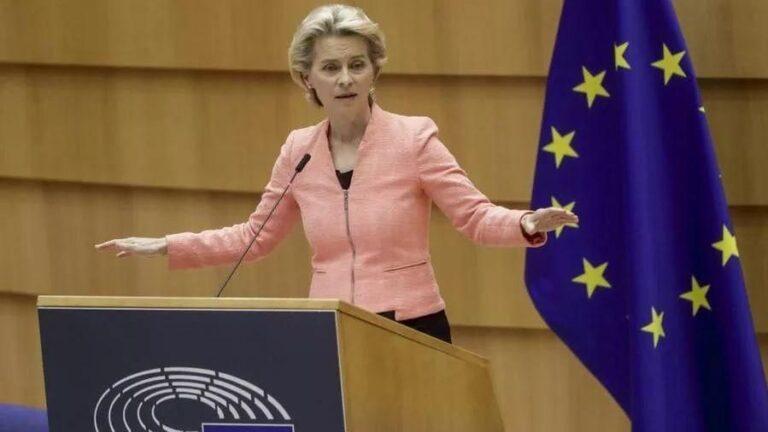 """Clima, Ursula von der Leyen: """"Riduzione delle emissioni del 55% entro il 2030"""""""