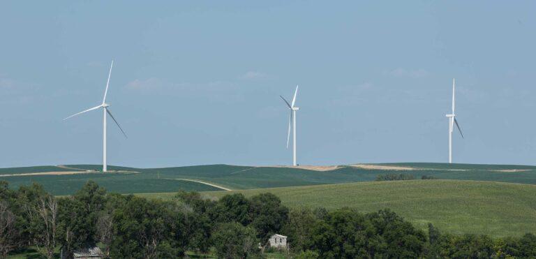 Adobe, accordo con Enel Green Power per decarbonizzazione delle attività