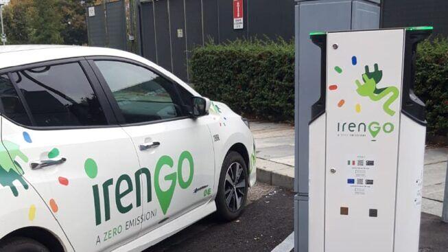 Mobilità elettrica, Iren installa a Torino nuove colonnine di ricarica