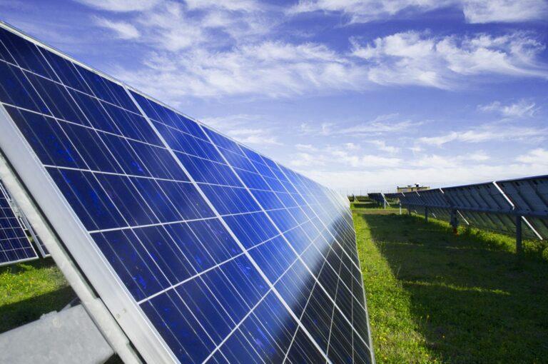 Report GSE, fotovoltaico in crescita con diminuzione di emissioni e consumi