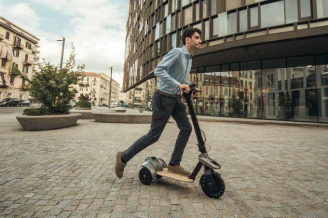 Lynx, il monopattino elettrico a tre ruote realizzato dalla startup To.Tem