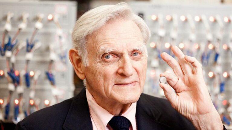 Il Premio Nobel John Goodenough lancia la batteria di vetro