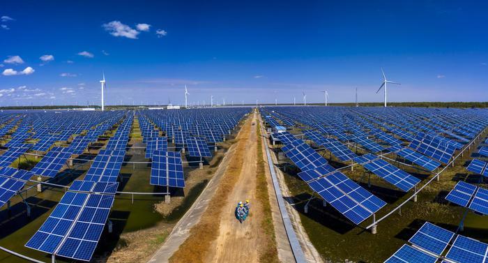 Rinnovabili, il fotovoltaico torna a crescere in Italia