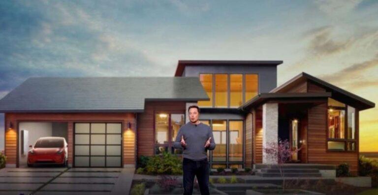 """Elon Musk: """"Il 2021 anno chiave per il lancio di Solar Roof"""""""