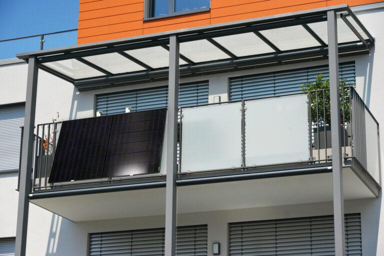 Enel X, il FV sul balcone alimenta l'energia per la casa