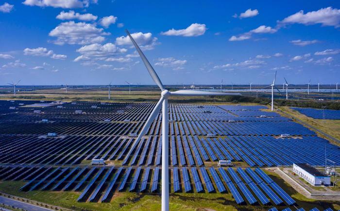 Energia pulita, nel 2020 investiti 501,5 miliardi nel mondo