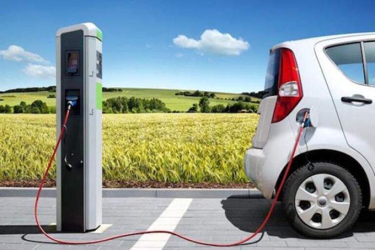 Auto elettriche, in crescita in Italia i punti di ricarica