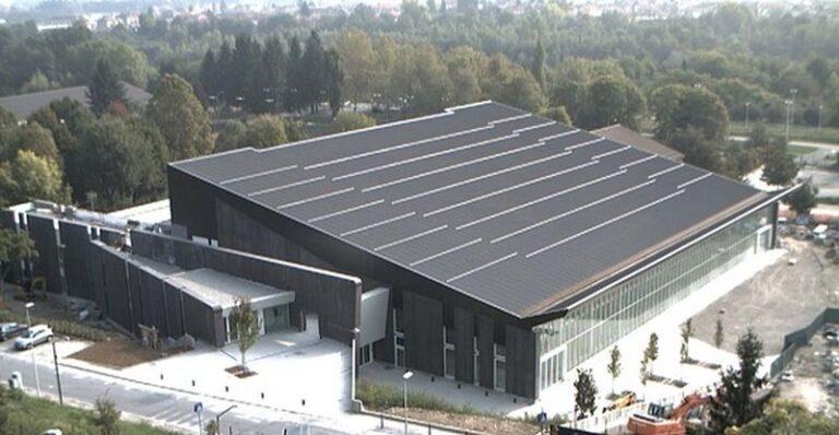 Comune di Cuneo, investimento per impianto FV sul tetto dello Stadio del nuoto