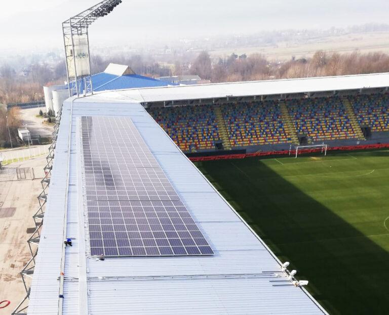 """Frosinone Calcio, lo stadio si fa """"green"""" con i moduli fotovoltaici AEG"""