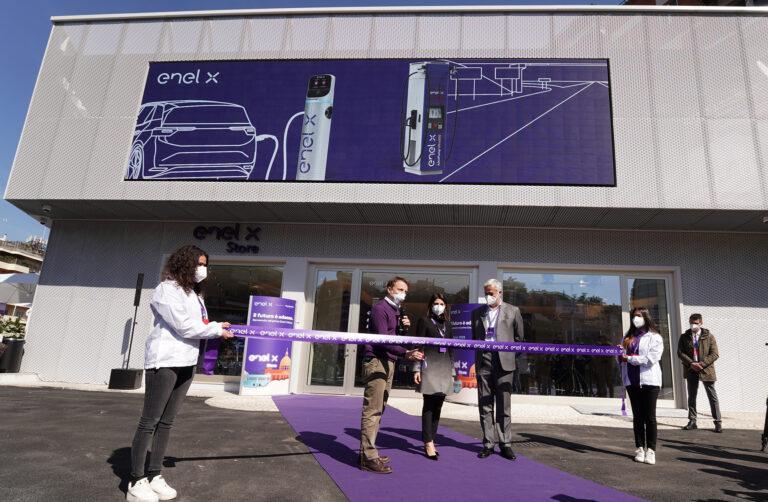 Enel X Store di Roma: inagurata la prima area urbana per la ricarica ultrafast