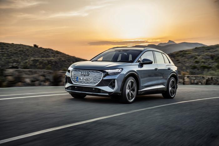 Audi Q4 e-tron, 100% elettrico anche a noleggio