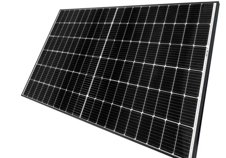 REC Group, nuovo modulo FV genera fino a 375 Wp di potenza