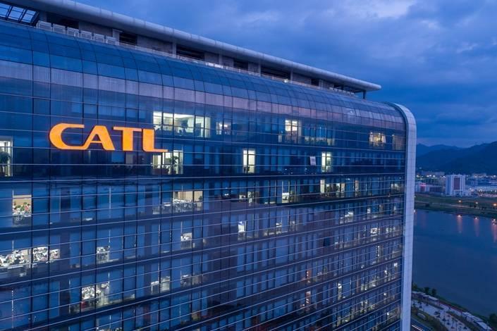 CATL, vendita di azioni per finanziare nuovi impianti di produzione di batterie