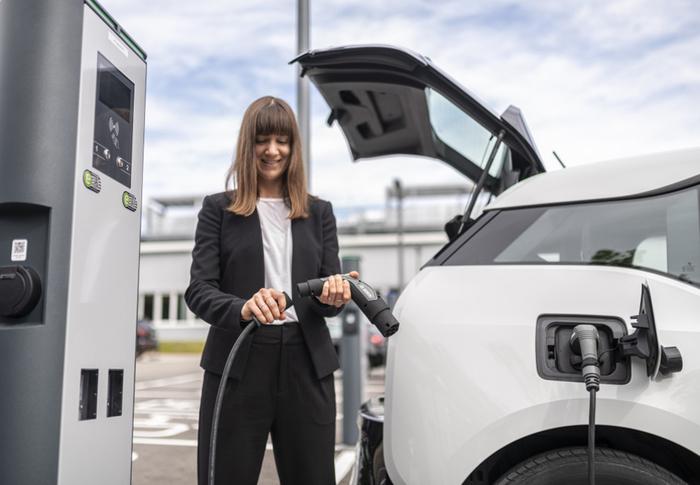 Bosch, nuovo cavo di ricarica smart e non ingombrante