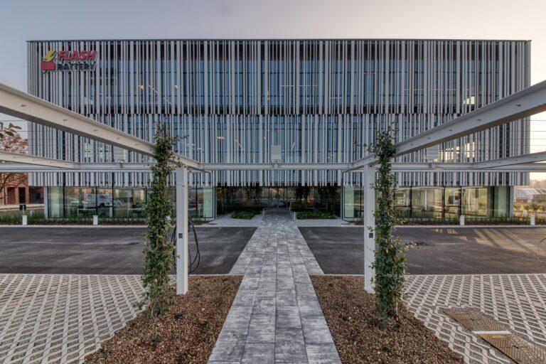 Flash Battery, la nuova sede inaugurata con le istituzioni dell'Emilia-Romagna